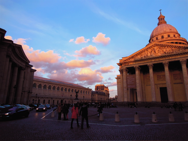 The Pantheon on a late-winter evening. © Erin Zaleski 2013